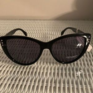 Vince Camuto sunglasses NWT